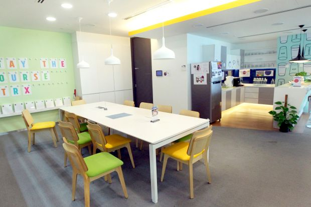 Discussion areas in Lendlease exude an informal vibe to promote collaboration.