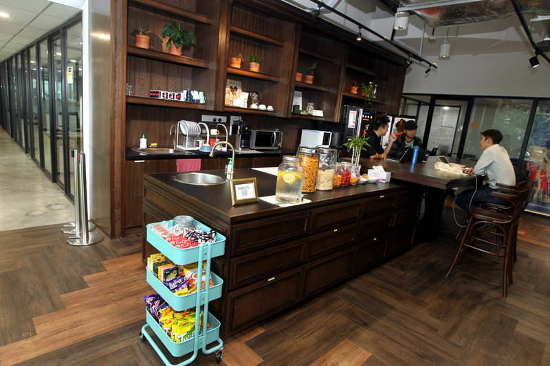 Members get to enjoy free flow drinks and snacks at the pantry
